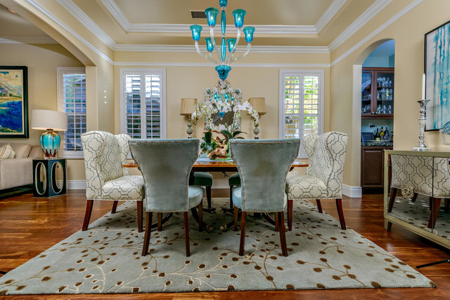 California Style Transitional Dining Room