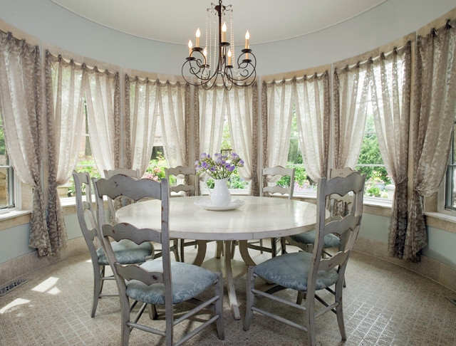 Casual Chic Dining Traditional Dining Room