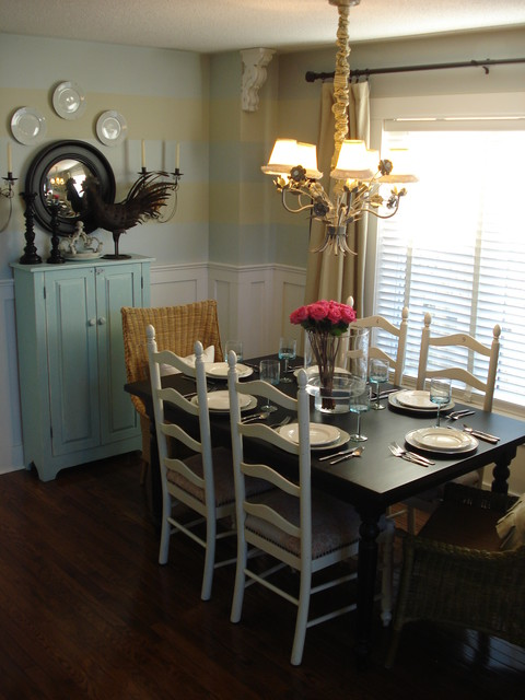 Casual dining room traditional-dining-room