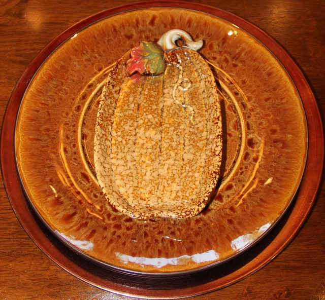 Charger with Pumpkin Plate for Fall dining-room