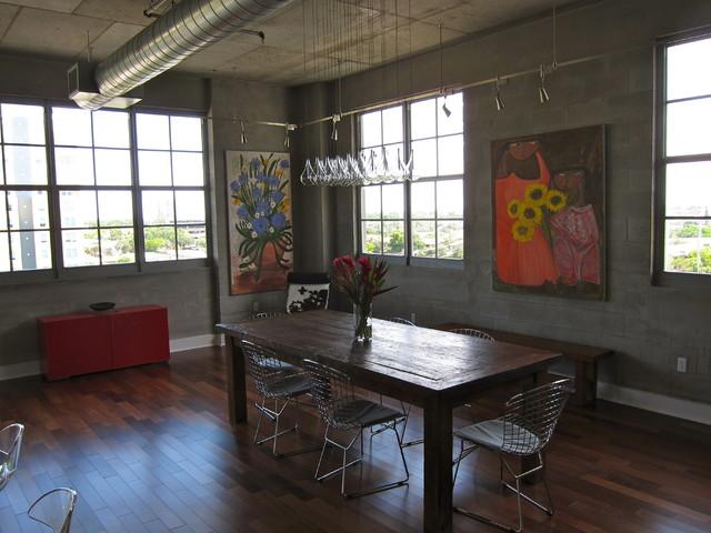Chez Gillie contemporary-dining-room