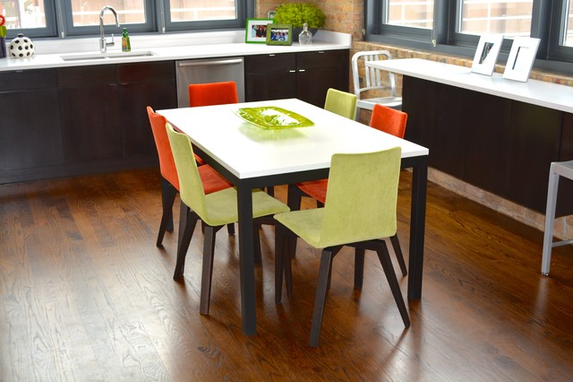 Chicago loft a colorful point of view modern dining for Loft dining room ideas