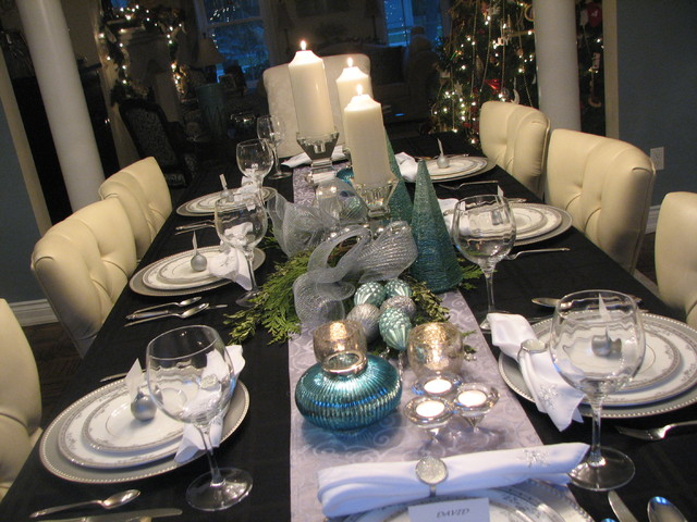 Christmas holiday decorating eclectic dining room for Dining room table ornaments