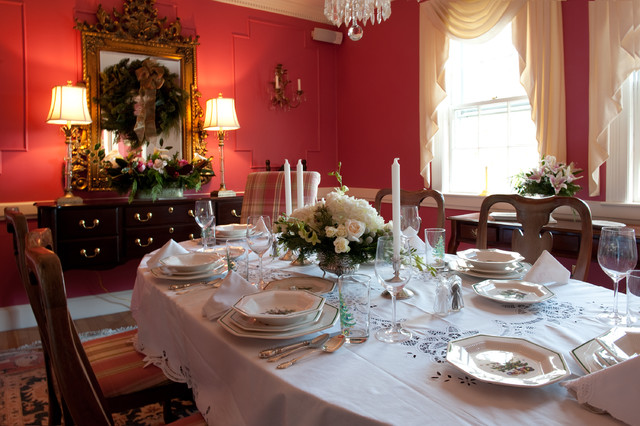 Traditional Dining Room by Mary Prince