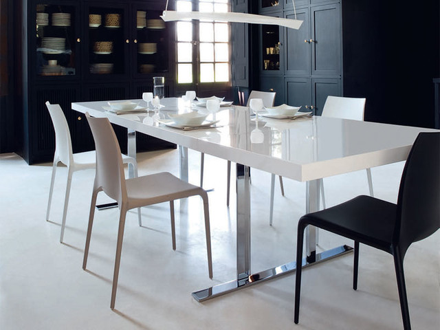 cineline dining table by ligne roset contemporary