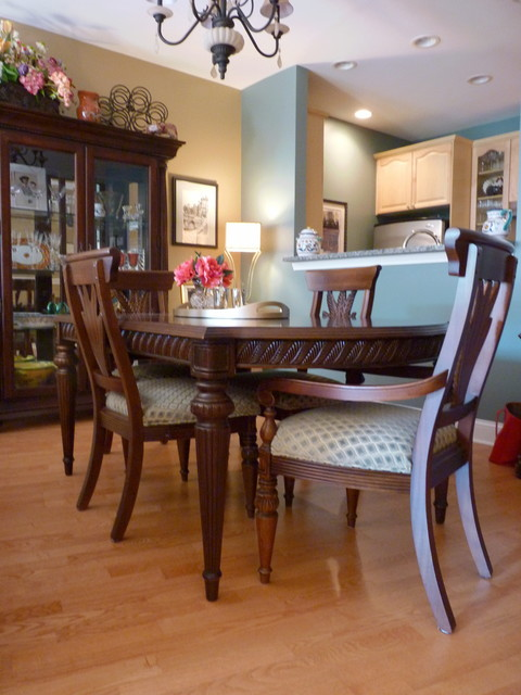 Dining room sets chicago