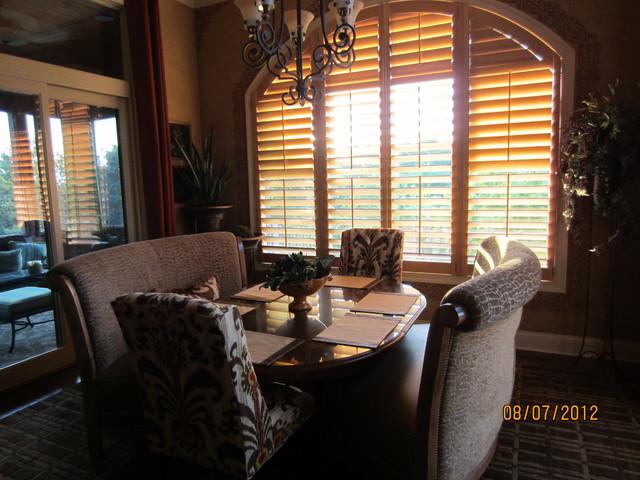 Client breakfast room traditional dining room kansas for Interior designs by rhonda