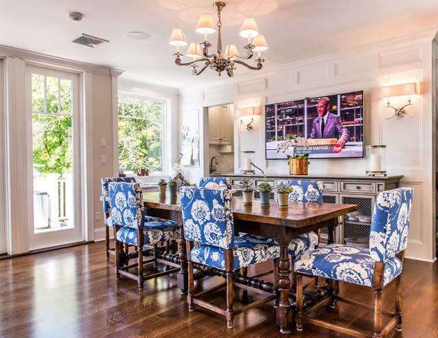 Coastal Couture Cold Spring Harbor Traditional Dining