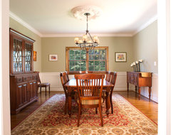 Colonial traditional dining room