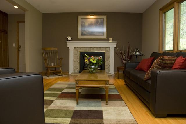 comfortable greatroom modern-dining-room