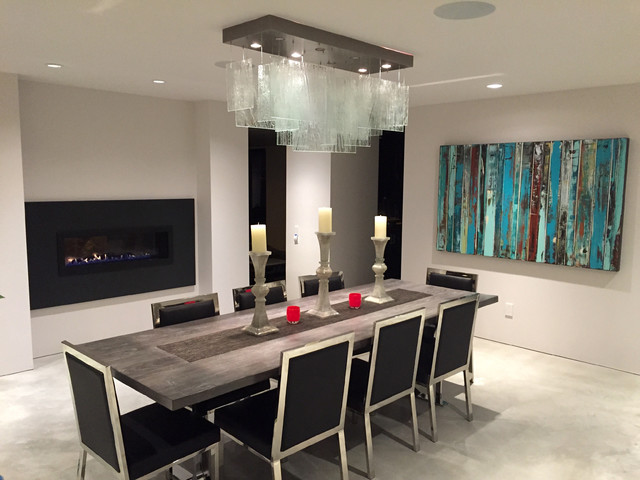 Contemporary dining room chandelier beautiful clear glass for Beautiful modern dining rooms