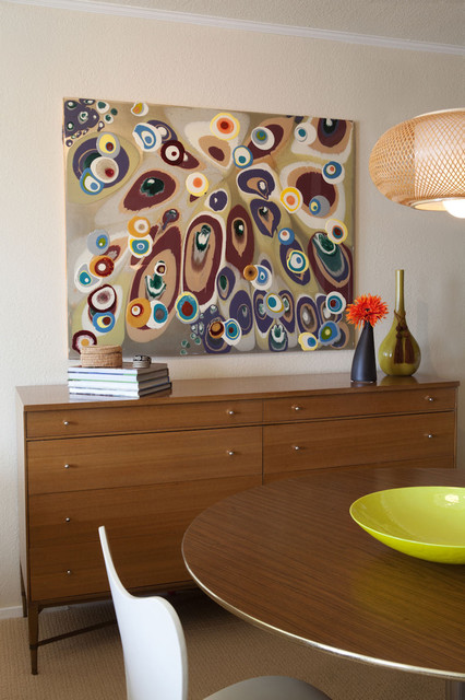 Contemporary dining room with modern art modern dining for Painting for dining area
