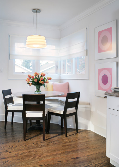 CORNER DINING NOOK beach-style-dining-room