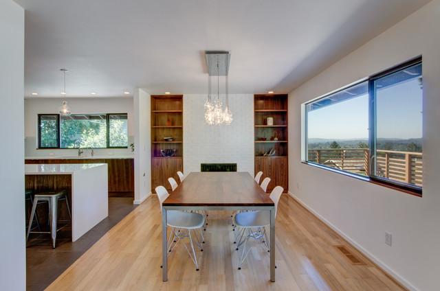 Council Crest Modern Kitchen modern-dining-room