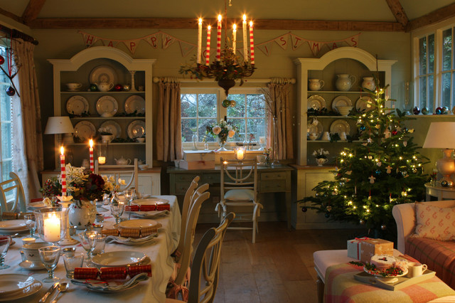 A cosy Christmas Table and Christmas Tree country-dining-room
