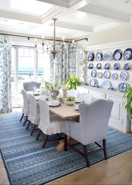 Cozy Coastal Beach House Beach Style Dining Room Idea
