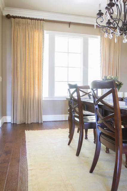 Cozy Farmhouse farmhouse-dining-room