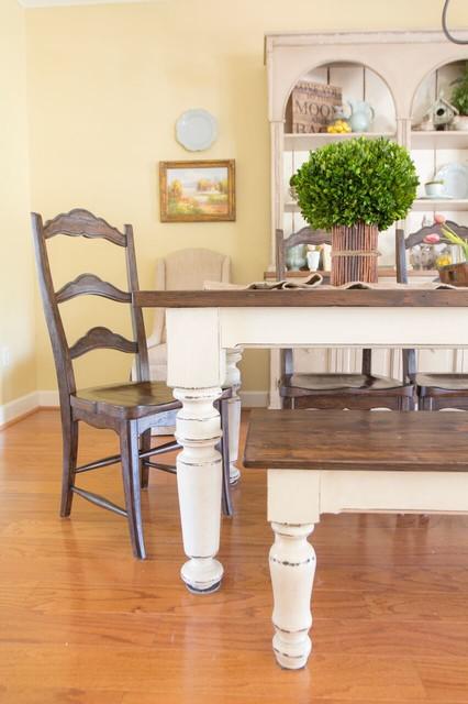 Cozy Palette farmhouse-dining-room