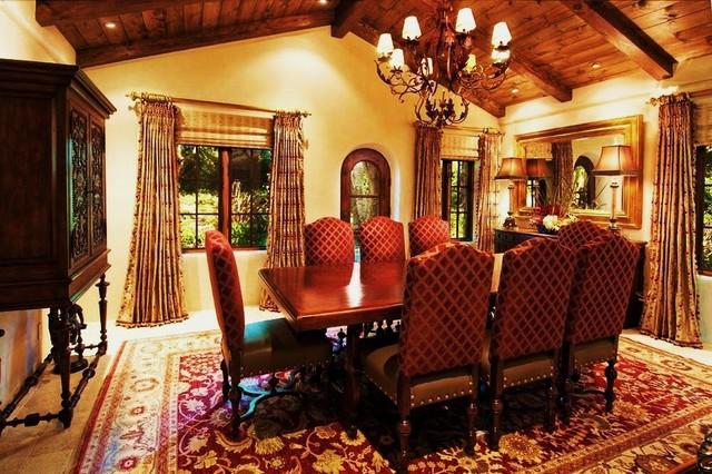 Debra campbell design mediterranean dining room for Mediterranean dining room design ideas