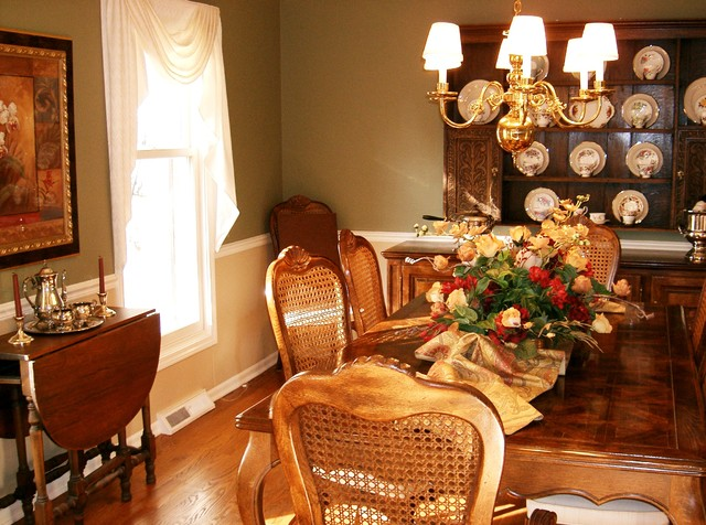 Decorating traditional-dining-room