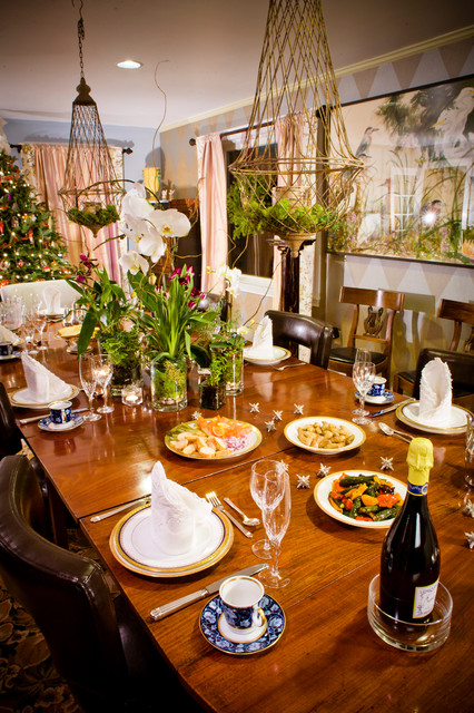 Decorating with Vignettes traditional-dining-room