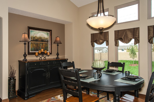 Derby Model Sold in 2013 traditional-dining-room