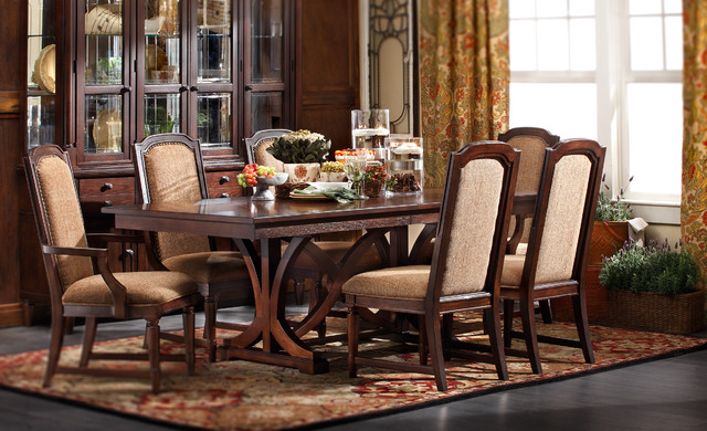 Desert Hills Dining Group Traditional Dining Room