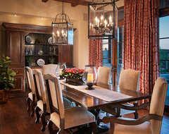 Designers using Lorts traditional dining room