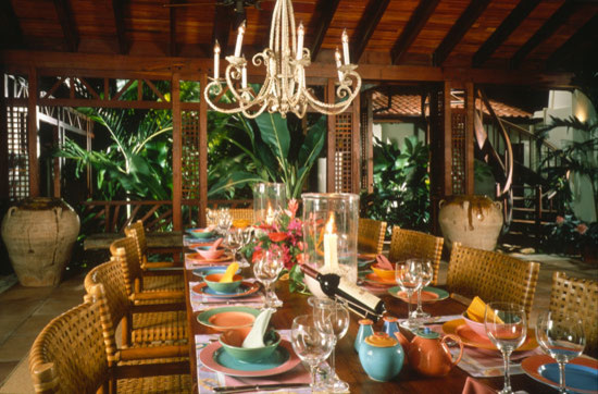 Dining Courtyard tropical dining room