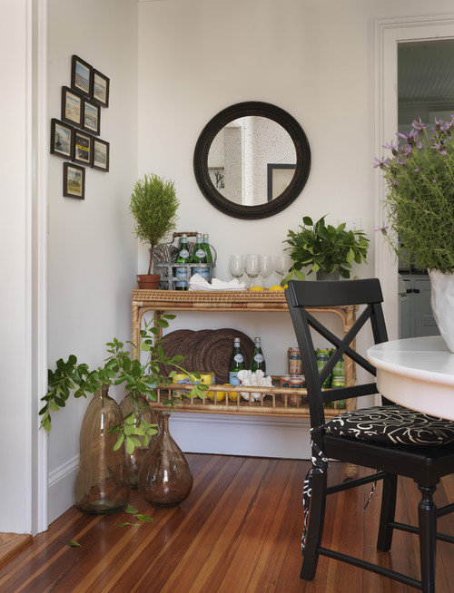 Use a Bar Cart in a kitchen eating area and Dining Room. See all 15 CREATIVE ways to use and style a bar cart in your home.