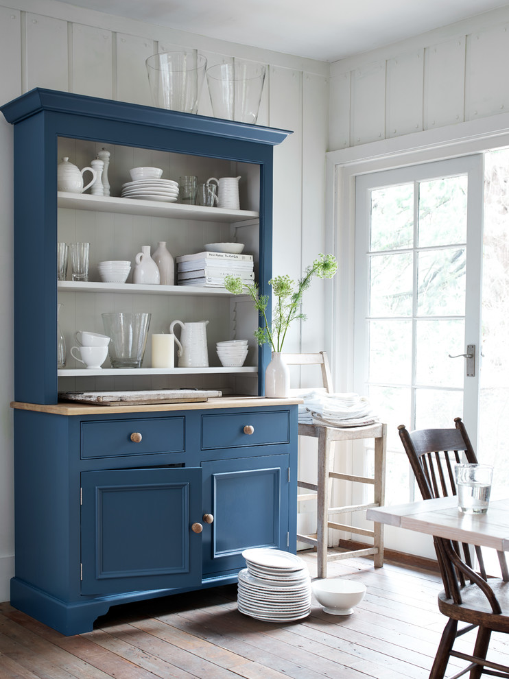 Inspiration for a scandinavian dining room remodel in London