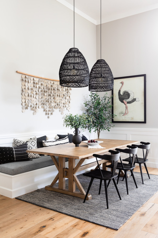 Small beach style light wood floor kitchen/dining room combo photo in Los Angeles with gray walls and no fireplace
