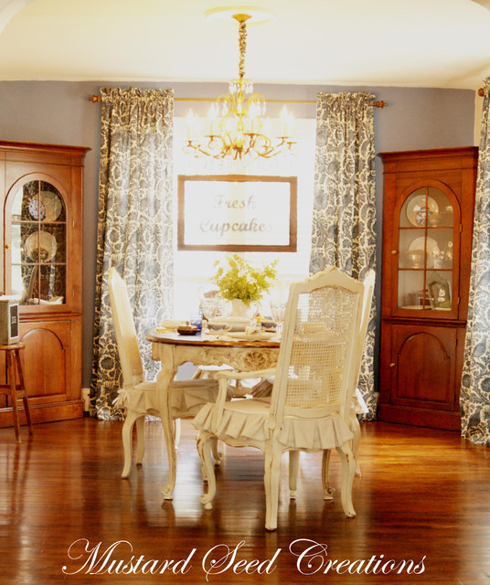 Eclectic Dining Room Tables: Dining Room