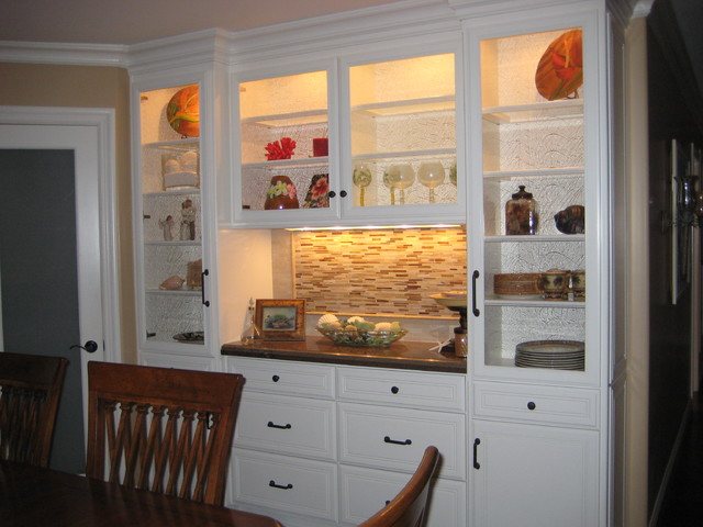 Marvelous Dining Room Cupboard Ideas Part - 12: Dining Room Serving Area Traditional-dining-room