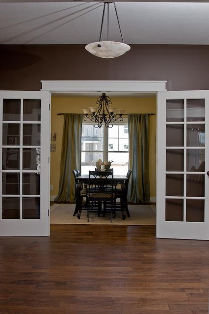 Inspiration for a craftsman dining room remodel in Indianapolis