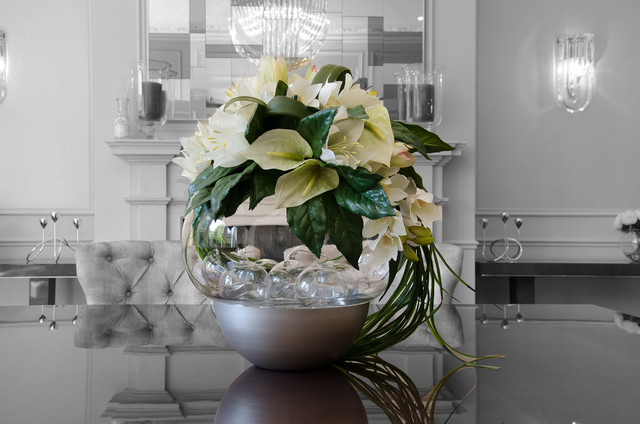 Dining room table artificial flowers contemporary for Flowers for dining room table
