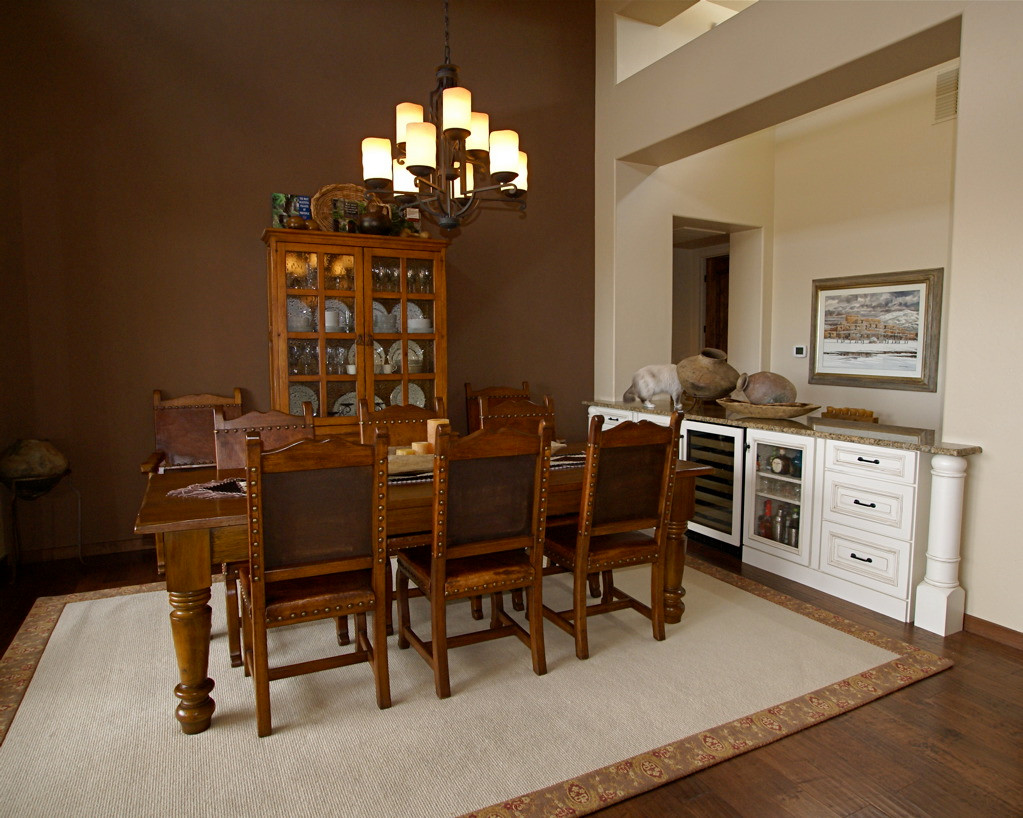 Dining Room / Wet Bar