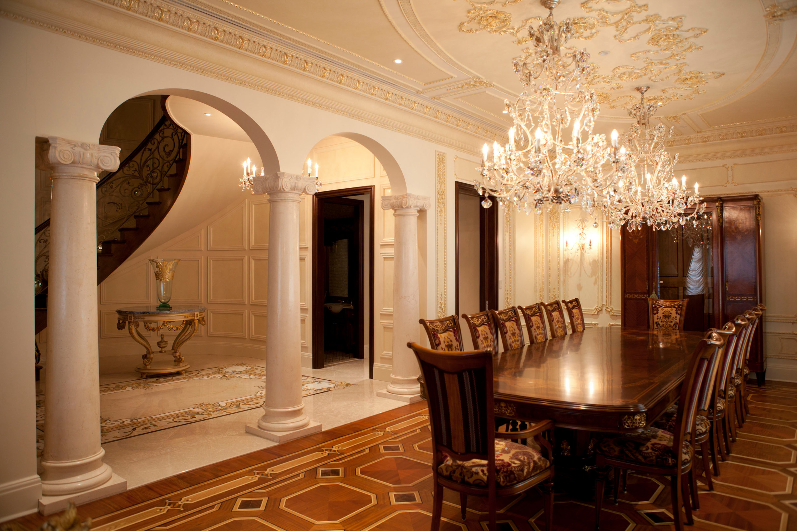 Dining to Foyer