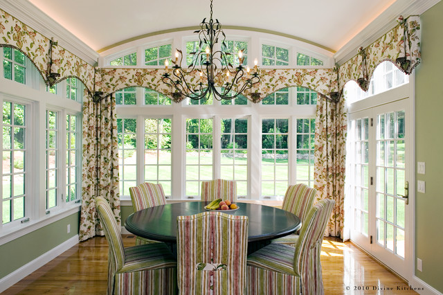 Divine Kitchens LLC traditional-dining-room