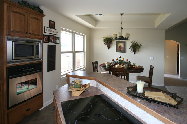 Eagle Park traditional-dining-room