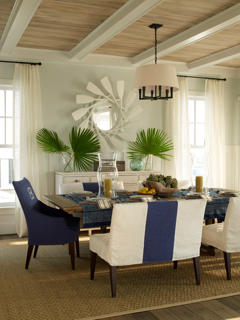 Dining room - beach style dining room idea in Jacksonville with blue walls