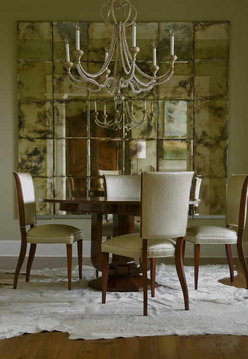 Decorate dining rooms with large mirrors for Large dining room wall