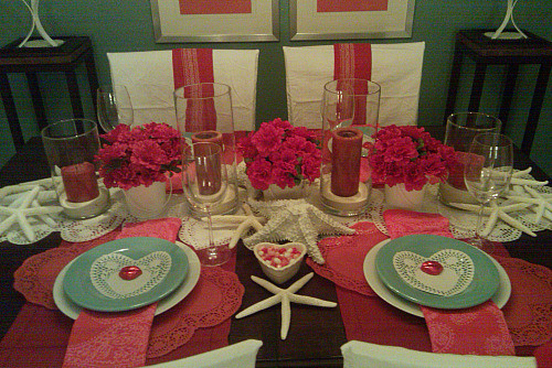 LOVE tablescape eclectic-dining-room
