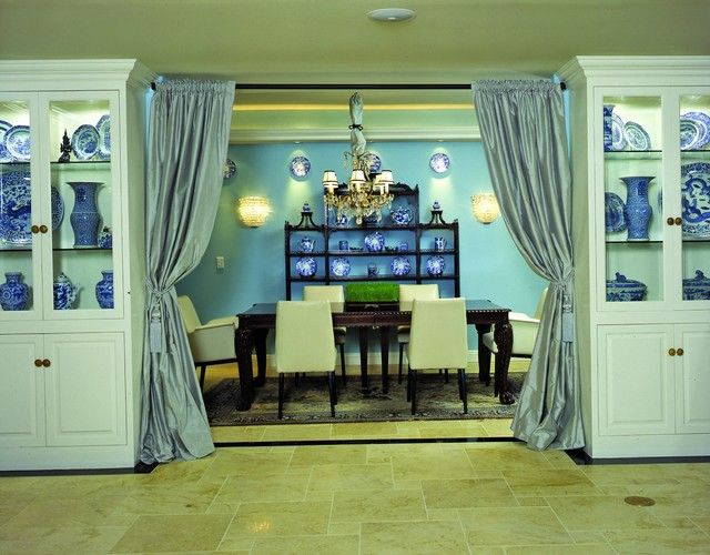 Eclectic mix traditional-dining-room