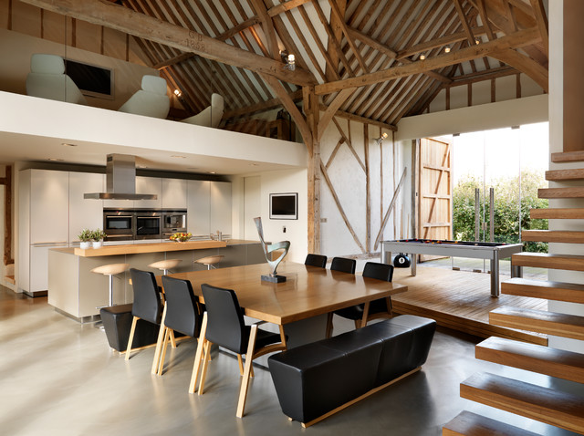Eco barn conversion contemporary dining room for Table salle a manger carree 12 personnes