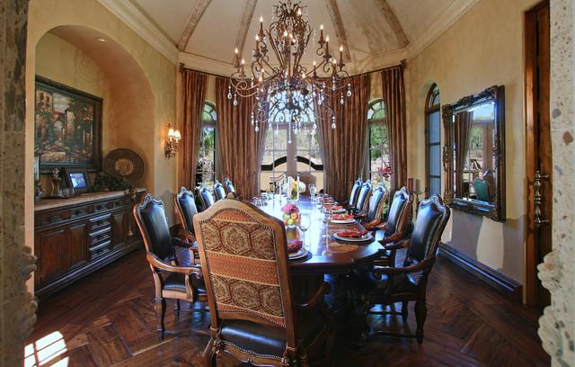 Elegant Dining Room Méditerranéen, Fancy Dining Room