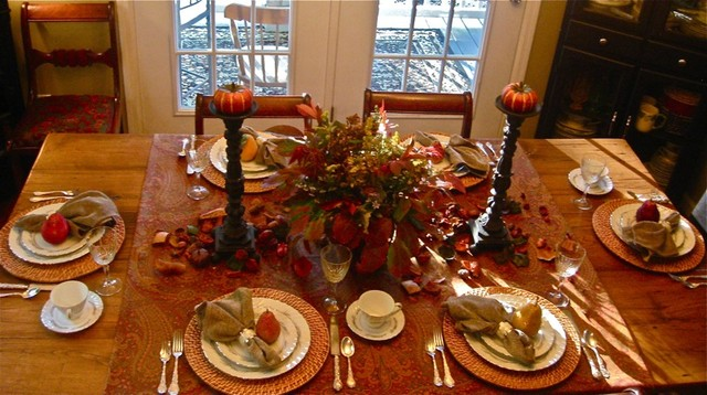 Elegant tablescapes for Dining room tablescapes ideas