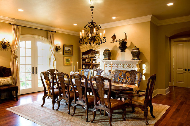 English Countryside Manor Traditional Dining Room