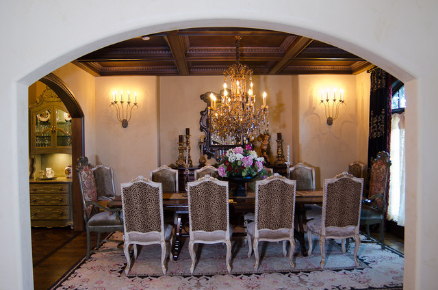English Tudor Estate Traditional Dining Room