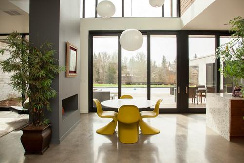 Chaises jaunes ultra design et originales